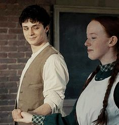 Animated gif about love in Oh my God love, cute y gif GIF en We Heart It Gilbert Blythe, Anne Shirley, Series Movies, Tv Series, Anne And Gilbert, Diana Barry, Amybeth Mcnulty, Anne White, Annette Bening