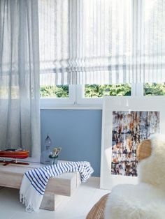 Roman shades made with striped, linen-like fabric shown here) are just the bees knees! Lace Curtains, Drapery Fabric, Decorative Curtain Rods, Custom Window Treatments, Traditional Interior, Free Interior Design, Fabric Shades, Innovation Design, Living Room