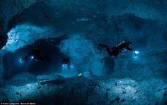 まるで宙を浮いているみたい!水を感じさせない水中洞窟「オルダ洞窟」の透明度がハンパない!