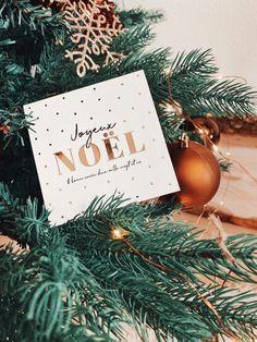 Découvrez nos cartes de Noël à glisser sous le sapin ⭐️🎄 #merrychristmas #joyeuxnoel #noel #noel2019 #christmas #cartedenoel #eucalyptus #christmascards #cards #christmas2019 #greetingcards #bonneannée #watercolor #watercolorarts #aquarelle #aquarellepainting #gifts #christmasgifts #christmasdecorations #cadeau #cadeauxdenoël Eucalyptus, Place Cards, Gift Wrapping, Place Card Holders, Gifts, Merry Christmas Wishes, Happy Holidays, Happy Year, Greeting Card