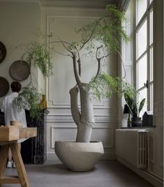 Each pot of Atelier Vierkant is unique and tells a different story. A story made of inspiration and transpiration. Tree Interior, Interior And Exterior, Indoor Trees, Indoor Plants, Shabby Chic Bedroom Furniture, Natural Interior, Indoor Garden, House Plants, Interior Inspiration