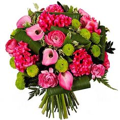 Fraîche et Juvénile !  Cette tendre composition se décline en camaïeu de rose sur lit de vert tendre. Nymphe est un bouquet intemporel qui allie grâce et caractère, à offrir en toutes circonstances.