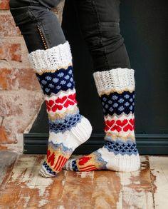 Sarah-sullavikat | Meillä kotona Knitting Socks, Fast Fashion, Ladies Dress Design, Leg Warmers, Nice Tops, How To Find Out, Underwear, Tights, Slippers