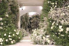 Minimalist Wedding Decor, Luxury Wedding Decor, Wedding Stage Decorations, Flower Decorations, Modern Wedding Flowers, Arte Floral, Event Decor, Wedding Designs, Backdrops