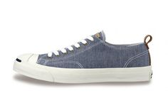 Converse Jack Purcell Chambray - go to kicks for the weekend Where To Buy Converse, Converse All Star, Hot Shoes, Men's Shoes, Best Sneakers, High Top Sneakers, Converse Jack Purcell, Kicks Shoes, Sports Footwear