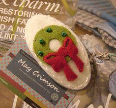 felt wreath hair clip