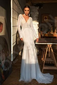 Modern style by DevotionDresses Wedding Silhouette, Mermaid Silhouette, Just Married Movie, Bridal Gowns, Wedding Gowns, Wedding Planning On A Budget, Royal Brides, Plus Size Wedding, Custom Dresses