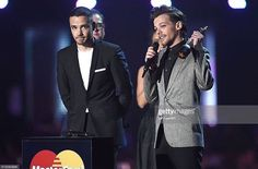 Liam and Louis receiving their for One Direction Awards, One Direction Pictures, Brit Awards 2016, More Than A Feeling, Where We Are Tour, Liam Payne, Boys Who, Cool Bands, Superstar