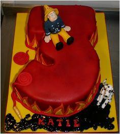 Brandweerman Sam - verjaardagstaart. Perfect voor volgend jaar! Second Birthday Cakes, Birthday Ideas, How To Make Cake, Food To Make, Fireman Sam Cake, Cupcake Cakes, Cupcakes, Supermom, Cake Creations