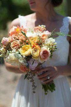 Laurens bouquet Florals, Wedding Flowers, Bouquet, Table Decorations, Home Decor, Floral, Decoration Home, Room Decor, Flowers