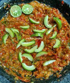 Resep Sambal Gandaria Sederhana By Chili Recipes, Asian Recipes, Gourmet Recipes, Cooking Recipes, Healthy Recipes, Indonesian Sambal Recipe, Indonesian Cuisine, Indonesian Recipes, Sambal Sauce