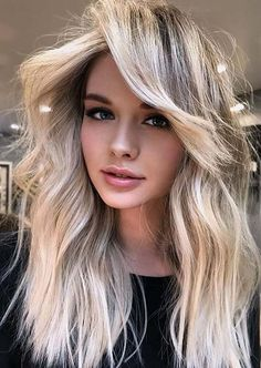 Amazing Shades of Balayage Hair Colors for Long Hair in 2020 Hairdo For Long Hair, Bob Hairstyles For Fine Hair, Long Hair Cuts, Hair Color Highlights, Hair Color Balayage, Colored Curly Hair, Lob Haircut, Hair Inspiration, Curly Hair Styles