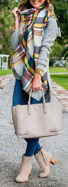 Fall fashion | Grey sweater, plaid scarf, denim and ankle booties