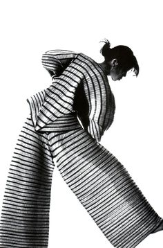 1989. American Vogue. Outfit by Issey Miyake. Photo by Irving Penn (B1917 – D2009)