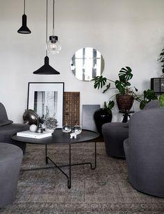 Idée agencement salon avec fauteuils pivotants IKEA