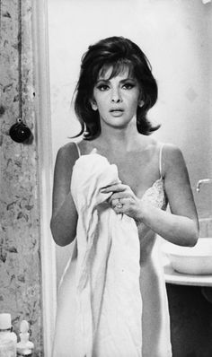 Gina Lollobrigida wearing a full slip Old Hollywood Glamour, Vintage Hollywood, Hollywood Stars, Classic Hollywood, Golden Age Of Hollywood, Gina Lollobrigida, Classic Actresses, Hollywood Actresses, Beautiful Actresses