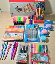 Stationary Store, Stationary School, School Stationery, Cute Stationery, Middle School Supplies, Middle School Hacks, Too Cool For School, Back To School, Craft Closet Organization