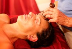 Here is a complete step by step, detailed guide on Kansa, on how to use the Kansa tools to achieve the best results, by the pioneers of Kansa Wand Massage Therapy, the best of the rare, few experts on this topic- Melanie and Robert Sachs.
