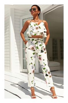 Shop women's suits and co-ords at Roawe. From shorts and blazers to culottes and dusters, these two-piece outfits make dressing up a breeze. Trend Fashion, Girl Fashion, Fashion Outfits, Estilo Fashion, Ladies Fashion, Fashion Clothes, Fashion Tips, Long Jumpsuits, Playsuits