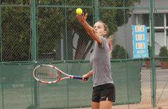 Dinamo, campioană națională la juniori U18! Sportul Studențesc, vicecampioană la fete Rackets, Tennis Racket, Student, Sports, Tennis, Hs Sports, Excercise, College Students, Sport