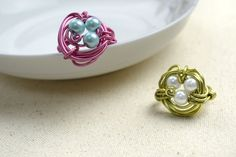 Cool mothers day gifts-create a mothers ring out of wire and 3 pearl beads – Pandahall