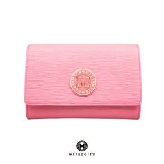Downsize your bag with a colorful clutch to complete your perfect summer look!
