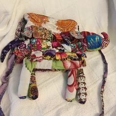 Zipper is broken Bags Satchels Satchels, Elephant, Buy And Sell, Zipper, Womens Fashion, Closet, Stuff To Buy, Bags, Beauty