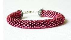 Raspberry Bracelet Beaded Crochet by luthienart76 on Etsy, €18.00