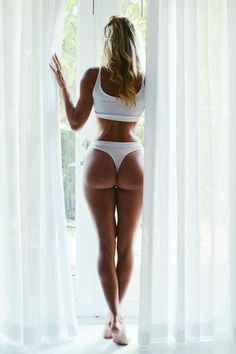 Hump Day is a Happy Day (47 Photos)