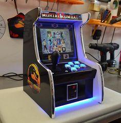 We've seen a handful of tiny arcade machines, but Tiny Arcade Machines is way better. It's a shop owned by YouTuber dabarduba, an electronics engineer in t