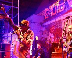 Hoje é noite de jazz & blues em São Paulo  No palco da Budweiser Basement ninguém menos do que JJ Jackson figurinha histórica da música internacional. E não para por aí: depois do americano quem assume o som são os DJs KL JAY do grupo Racionais MCs e Formiga do coletivo Vinil é Arte. Incrível né? Fica de olho que a programação segue intensa no galpão da Barra Funda até domingo dia 19! #promoglamour #ThisBudsForYou #BudBasement  via GLAMOUR BRASIL MAGAZINE OFFICIAL INSTAGRAM - Celebrity…