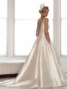 sassi-halford-bridal-gowns-spring-2016-fashionbride-website-dresses07