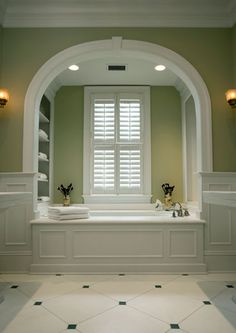 Dramatic Kiawah Island master bath by architectural firm Brooks & Falotico. | thisoldhouse.com