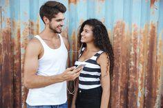 10 señales de que le gustas a un hombre muy tímido - Métodos Para Ligar Tank Man, Camisole Top, Tank Tops, Fashion, Amor, Boyfriend Stuff, Grooms, Girls, 1 Month