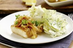 Stekt torsk med tomatvinaigrette Frisk, You Are My Sunshine, Seafood Recipes, Cabbage, Vinaigrette, Dessert, Chicken, Vegetables, Desserts
