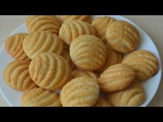 Najjednoduchšie domáce sušienky, ktoré úplne nahradia sladkosti z obchodu: 1 vajce, pár surovín a pochutí si celá rodina! Biscuit Cake, Biscuit Cookies, Sweet Recipes, Snack Recipes, Snacks, Bebidas Detox, Arabic Food, Cupcake Cakes, Almond