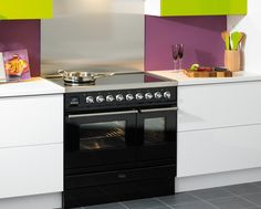 This 90cm Britannia Sigma range cooker slots neatly into a white & lime green kitchen.