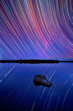 Beautiful Photographs of Star Trails Above Australian Outback *have i mentioned before that i reeeeeeeeeeally want to go to Australia someday?*