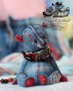 Teddy Bear Crafts, Teddy Bear Sewing Pattern, Christmas Teddy Bear, Teddy Toys, Denim Crafts, Bear Doll, Sewing Toys, Felt Toys, Plush Animals