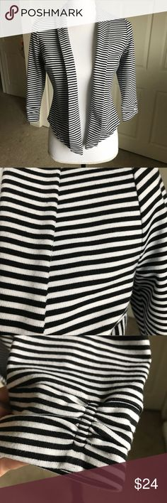 "WHBM jacket cardigan striped crop 3/4 Sleeve XS White House Black Market striped jacket in size XS.  Open front, 3/4 sleeve, fitted style, and hits at the waist.   Approx. Measurements... Chest - 36"" Length - 20"" Sleeve - 16""   All reasonable offers considered.   Comes from my clean, smoke/pet free home.   Thanks for looking White House Black Market Jackets & Coats Blazers"