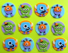 12 CUTE MONSTERS Fondant Cupcake Toppers por SWEETandEDIBLE en Etsy