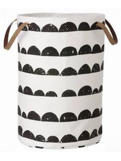 Ferm Living Wasmand zwart/wit katoen Laundry Basket Half Moon 40x60cm #black #white #bathroom #interior #decoration #myhomeshopping