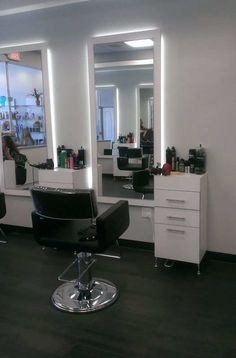 Salon Interior Design Inspiration- Decor Ideas and Design Buyrite Beauty Salon Equipment Chic Vintage Modern Styling Chair, Shampoo Chair, Styling Station and more! Home Beauty Salon, Home Hair Salons, Beauty Salon Decor, Home Salon, Beauty Salon Design, Makeup Studio Decor, Barber Shop Interior, Barber Shop Decor, Hair Salon Interior