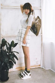 Today's Hot Pick :时尚方格迷你裙 http://fashionstylep.com/SFSELFAA0028738/stylenandacn/out 时尚方格迷你裙 与性感透视针织半袖搭配,性感又不失可爱 - 时尚方格 - 简约迷你版型 - 时尚百搭 仅象牙色一种颜色,喜欢的MM们机不可失哦^^