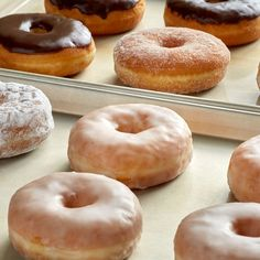 Donut Recipes, Snack Recipes, Dessert Recipes, Long John Donut, Best Chocolate Cheesecake, Yeast Donuts, Doughnuts, Donut Mix, Raised Donuts