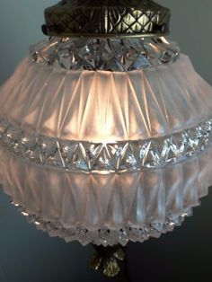 Vintage-Hollywood-Regency-Glass-Ball-Swag-Lamp-Brass-Pineapple-Ends-Crystals