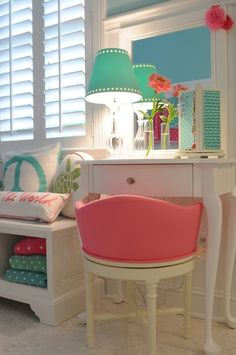 House of Turquoise: TR Building Remodeling - cute big girl/teen girl room House Of Turquoise, Pink Turquoise, Aqua, Teen Girl Bedrooms, Little Girl Rooms, Preteen Girls Rooms, Desk For Girls Room, My New Room, My Room