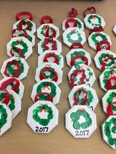 Check Out These Awesome Christmas Art Projects For Kids Christmascrafts Happy New Year Christmas Gifts For Parents, Kids Christmas Ornaments, Toddler Christmas, Christmas Holidays, Diy Ornaments For Kids, Christmas Art For Kids, Holiday Crafts For Kids, Christmas Ideas, Preschool Christmas Crafts
