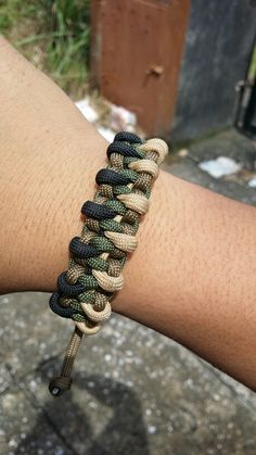 inverted woodland paracord. order-able.