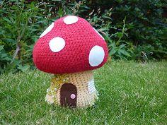 Ravelry: Crochet Toadstool pattern by Annaboo's House Crochet Fairy, Crochet Home, Crochet For Kids, Crochet Patterns Amigurumi, Crochet Motif, Free Crochet, Ravelry Crochet, Crochet Mushroom, Yarn Bombing